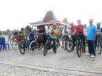warga-kecamatan-gayam-antusias-ramaikan-tour-de-gayam-2016